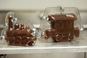 Cómo pintar caramelo de chocolate en moldes