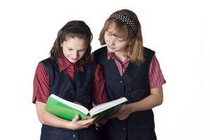 Debates sobre cómo uniformes escolares ahorraría dinero