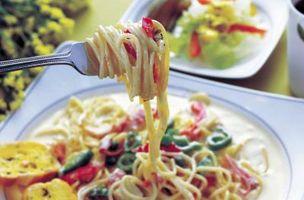 Cómo cocinar la pasta sin salsa de tomate