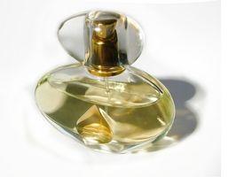 ¿Qué hace EDT Perfume en el medio?
