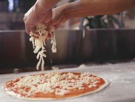¿Qué se puede utilizar en lugar de un gancho amasador al hacer pasta de la pizza?
