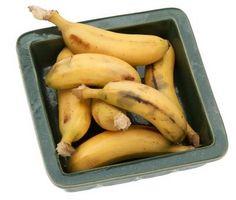 Cómo asar plátanos en la hoja de lata