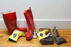 Cómo reparar botas de goma