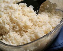 Cómo cocinar el arroz en el Cuisinart Arrocera