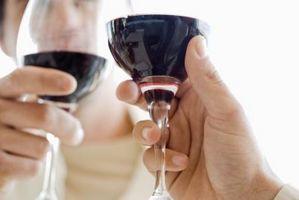 Cómo encontrar un vino que va con fresas cubiertas de chocolate
