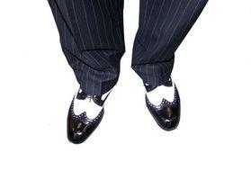 Cómo hacer un par de zapatos de hombre mirar como los zapatos de la mujer