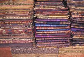 Cómo planchar arrugas Fuera de pañuelos de seda