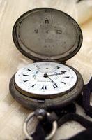 Cómo configurar un reloj antiguo