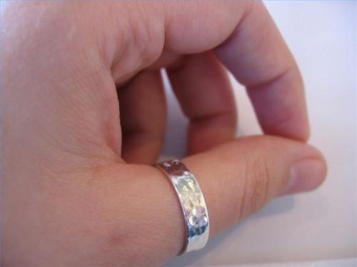 ¿Cuál es el significado de anillos de pulgar de plata?