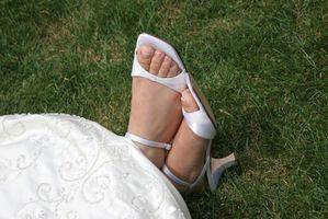 Cómo tinte de Negro zapatos de cuero blanco
