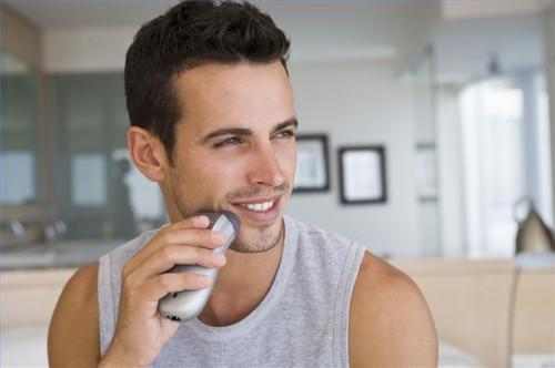 Cómo afeitarse con una maquinilla de afeitar eléctrica