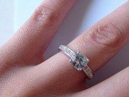 Diferencia entre los diamantes y circonio cúbico