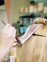 Cómo mantener a su color de pelo que parece grande entre las visitas del salón