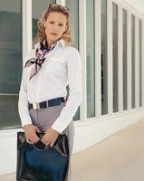 ¿Está bien llevar un cinturón grande para trabajar?