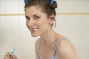 Cómo limpiar los dientes con crema de tártaro
