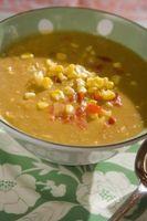 Cómo volver a calentar la sopa congelada