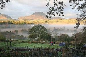 Cómo encontrar los mejores sitios para acampar en Gales