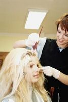 Cómo saber qué tono del tinte de pelo de usar