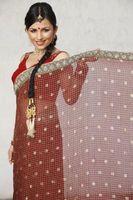 Cómo usar un estilo de Bollywood Sari