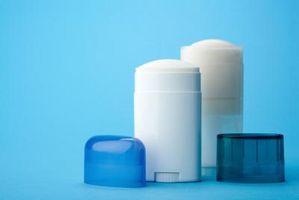Cómo limpiar apelmazado en Desodorante
