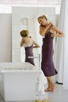 Cómo ocultar un sujetador en la parte posterior de un vestido