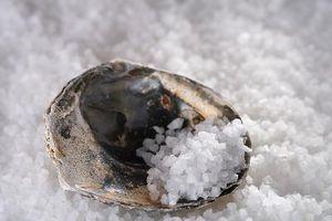 Cómo hacer que la sal del mar Baños