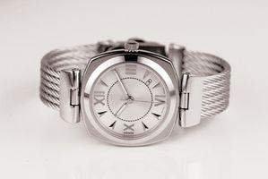 Cómo reemplazar una venda de reloj de Brighton