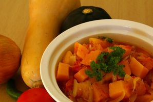 ¿Cómo puedo VAPOR verduras al mismo tiempo que Cocinar el arroz en el aroma del vapor y la olla de arroz?