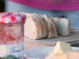 Cómo evitar el gluten cuando se utiliza una máquina de hacer pan
