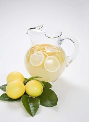 Cómo decorar la comida con los limones