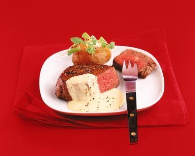 ¿Cuál es la diferencia entre una salsa bearnesa y salsa holandesa?