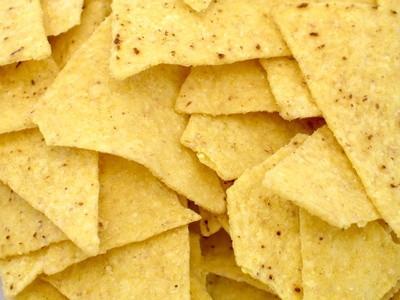 ¿Cuál es la diferencia entre amarillo y blanco de la harina de maíz Cuando se trata de hornear?