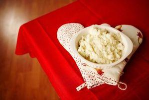 Cómo Vuelva a calentar puré de patatas en el microondas