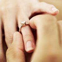 Como el tamaño de un anillo de oro