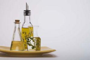 ¿Cuáles son las manchas blancas en una botella de aceite de oliva?