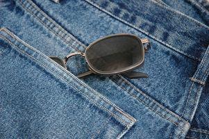 La forma de reparar jeans para hombres