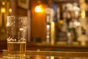 Cuatro ingredientes principales en la cerveza