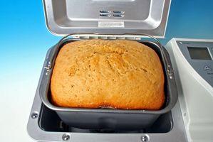 Cómo cocer al horno suave pan con un pan que hace la máquina