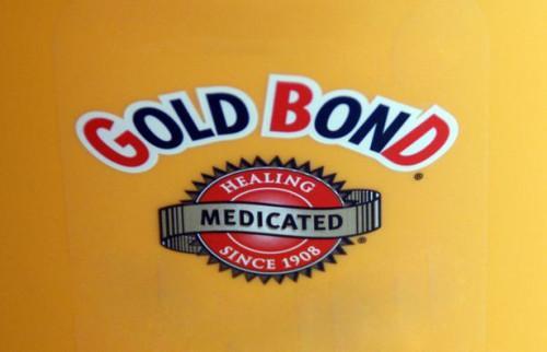 Cómo utilizar polvo Gold Bond