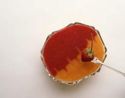 Cómo utilizar Arrowroot para espesar una salsa de frutas