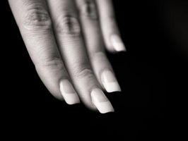 Cómo: Acetona Nail Polish Remover para quitar clavos falsos