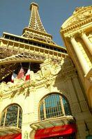 Comer en la Torre Eiffel en Las Vegas, NV