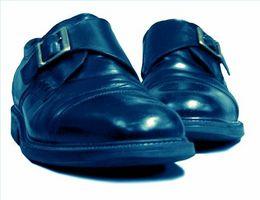 Cómo Dull un zapato Negro Brillante