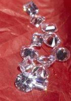 ¿Cómo se puede detectar diamantes sintéticos?