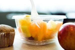 Cómo hacer sus propios Copas de frutas para los niños