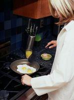 Cómo freír un huevo sin yema de huevo que moquea