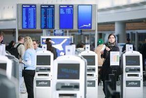 Cómo obtener una tarjeta de embarque para JetBlue