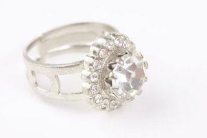 ¿Cómo saber si un anillo es de platino