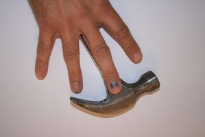 Cómo arreglar una uña rota