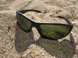 Cómo pintar un marco de gafas de sol Oakley